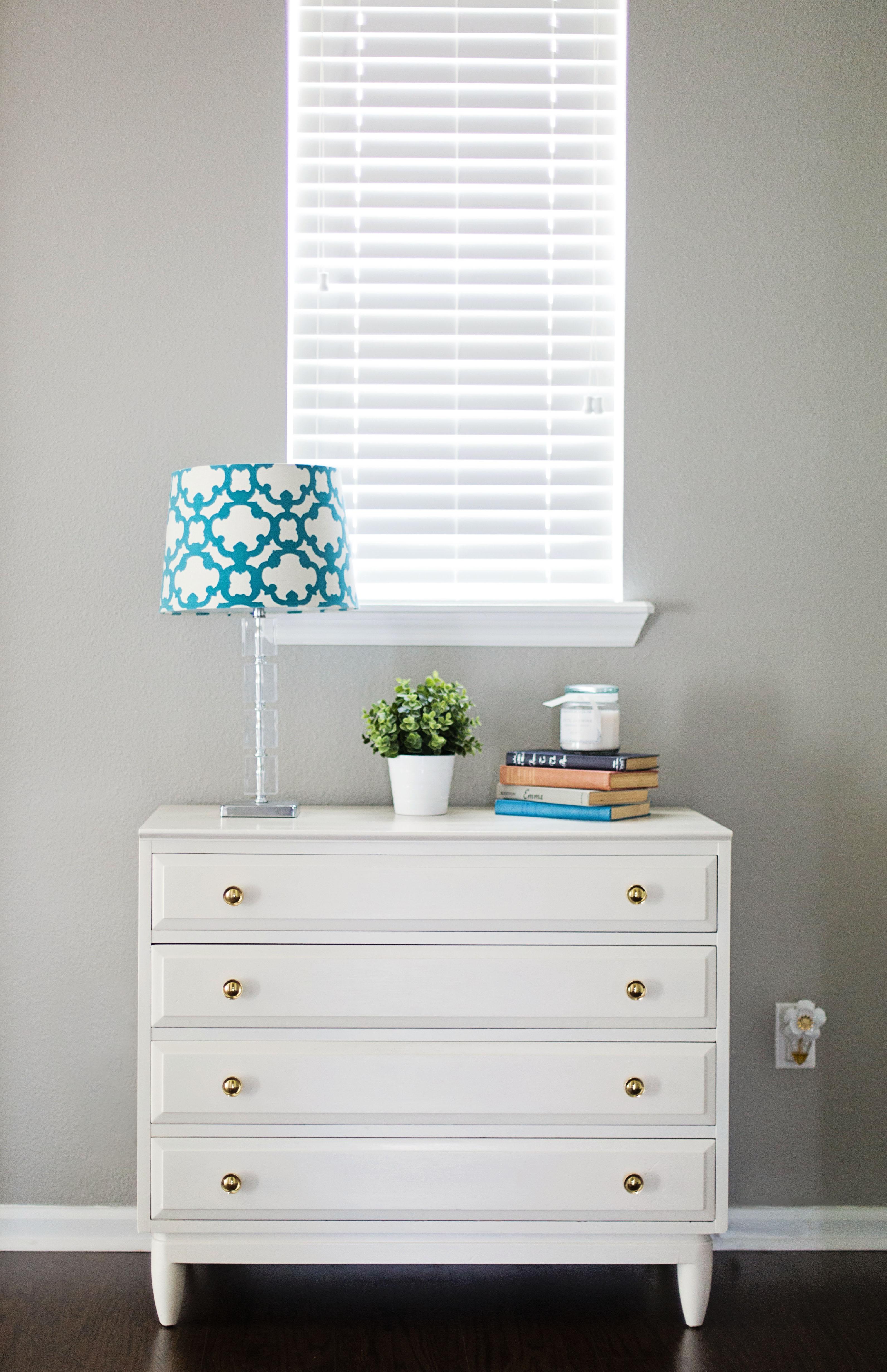 diy white dresser makeover tutorial. Black Bedroom Furniture Sets. Home Design Ideas